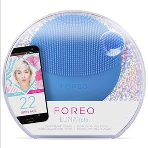 Foreo Luna fofo Face Cleansing Device